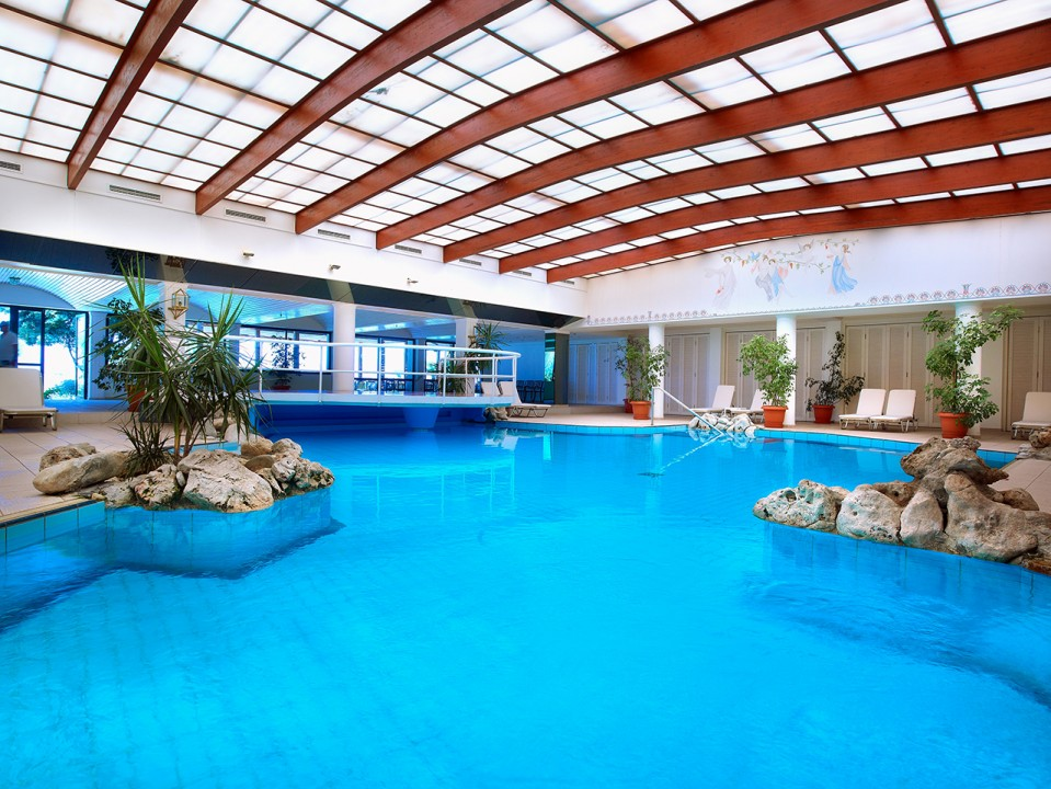 AQUILA-RITHYMNA-BEACH—-INDOOR-POOL