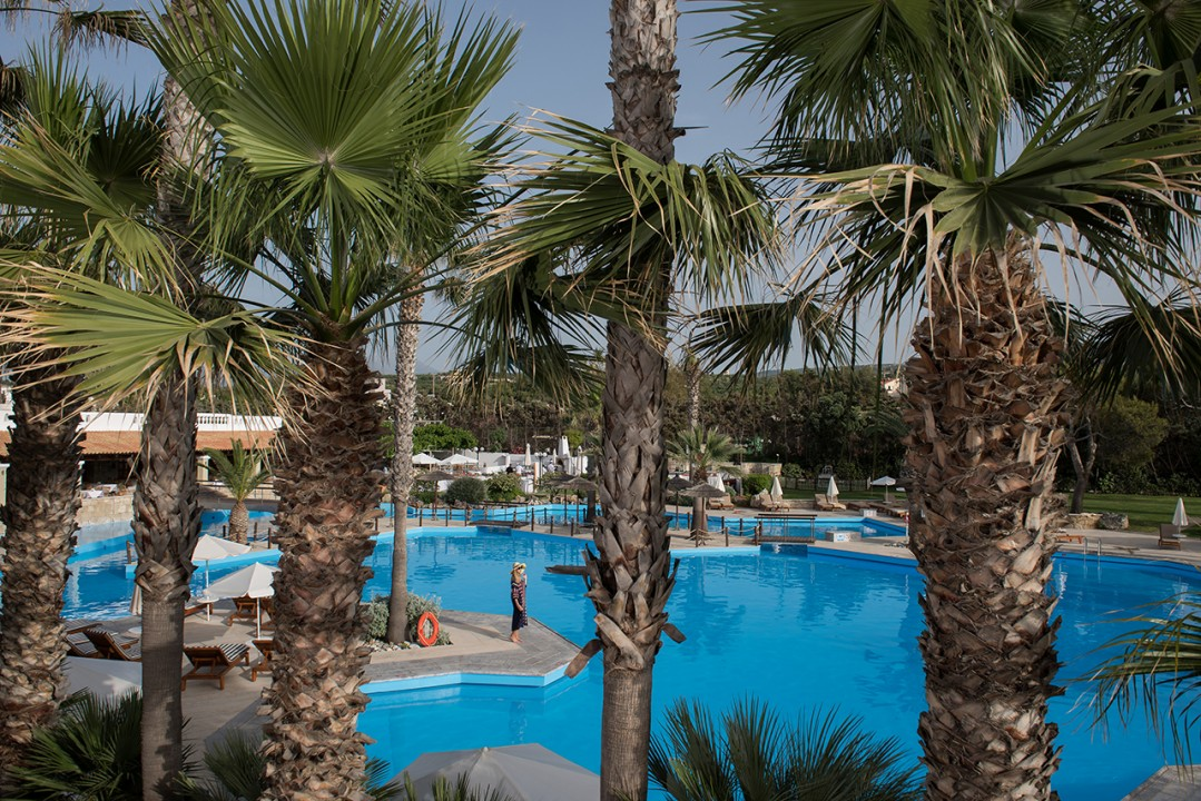 AQUILA-RITHYMNA-BEACH—-MAIN-POOL