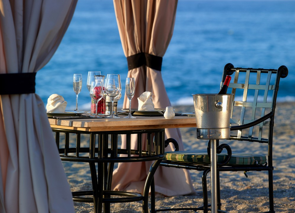 AQUILA-RITHYMNA-BEACH—-PRIVATE-DINING