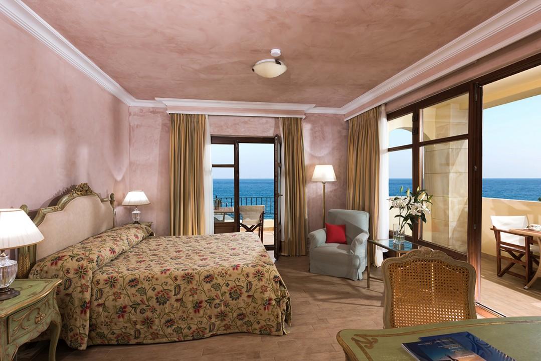 AQUILA-RITHYMNA-BEACH—DELUXE-JUNIOR-VILLA-SEA-VIEW-WITH-PRIVATE-POOL